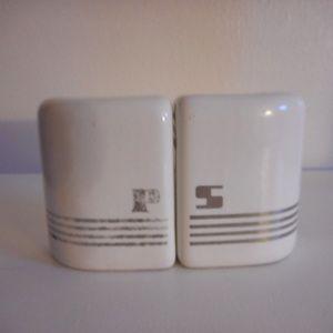 Vintage art deco ceramic Salt & Pepper set